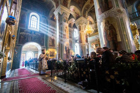 Митрополит Волоколамский Иларион возглавил богослужения в главном храме Татарстанской митрополии