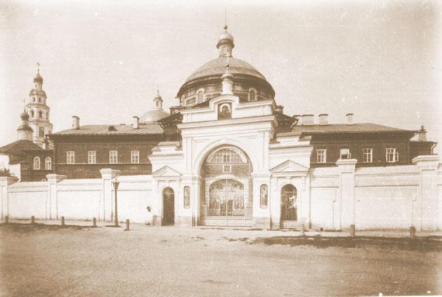 Крестовоздвиженская церковь Казанского Богородицкого монастыря Фото 1890 г.