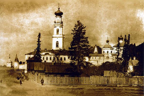 И монастырь, и некрополь при нем...