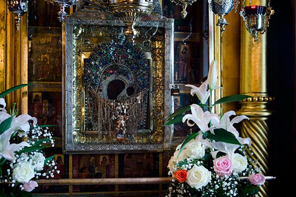 Митрополит Анастасий: Богородица незримо пребывает с каждым из нас