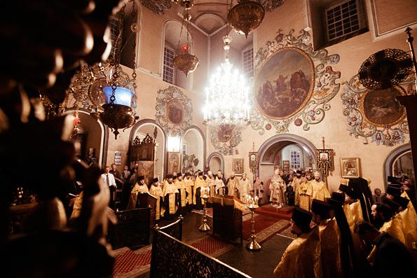Митрополит Феофан совершил всенощное бдение в Петропавловском соборе города Казани