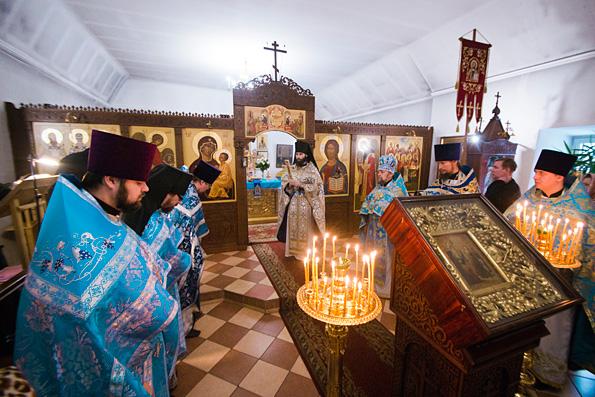 В праздник Введения во храм Богородицы престольные торжества состоялись в Введенском Кизическом монастыре Казани