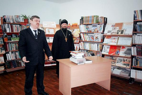 Передача книг в библиотеки Чистополя