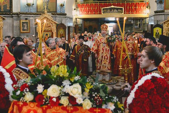 В день Антипасхи в Набережных Челнах состоялось архиерейское богослужение
