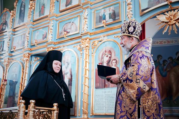 Митрополит Анастасий поздравил настоятельницу Елабужского монастыря с 20-летием игуменского служения