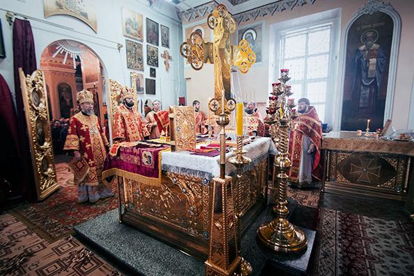 В Никольском кафедральном соборе Чистополя состоялось архиерейское богослужение