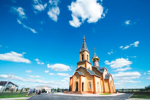 В селе Дрожжаное освящен храм в честь преподобного Сергия Радонежского