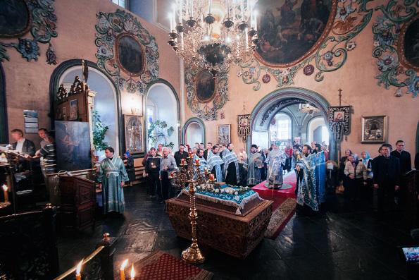 Глава Татарстанской митрополии возглавил чин погребения Божией Матери в Петропавловском соборе города Казани