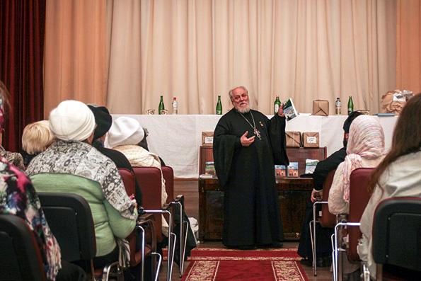 В Казани прошла встреча с известным писателем протоиереем Николаем Агафоновым