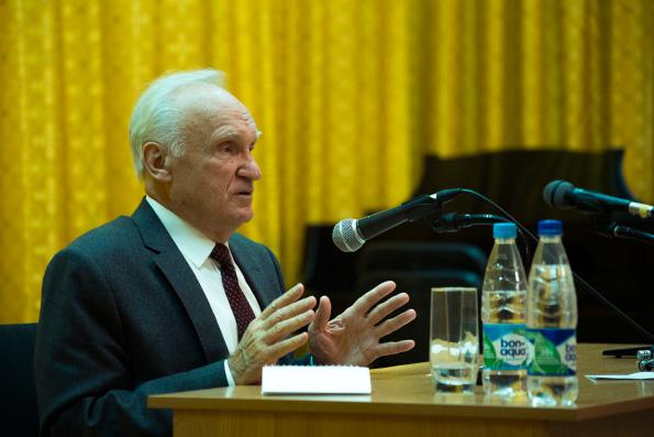 Профессор А.И. Осипов встретился со студентами Казанской духовной семинарии