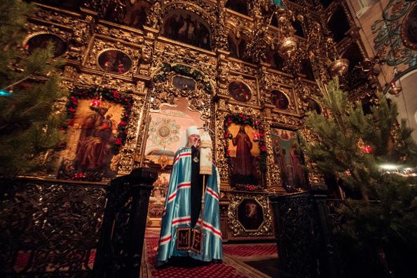 В праздник Рождества Христова митрополит Феофан совершил Литургию в Петропавловском соборе столицы Татарстана