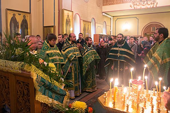 Патриарх Кирилл совершил Божественную литургию вТроице-Сергиевой лавре