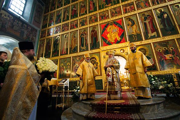 В день празднования памяти прп. Феофана Никейского духовенство и верующие поздравили митрополита Феофана с тезоименитством