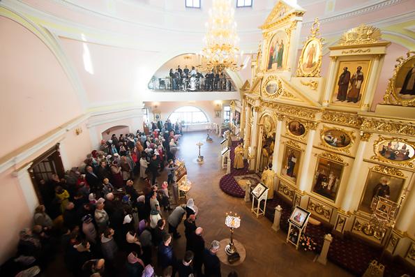 В Неделю 18-ю по Пятидесятнице владыка Феофан совершил Литургию в Казанско-Богородицком монастыре