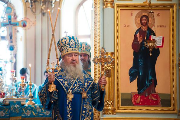 Митрополит Феофан совершил Литургию в престольный праздник собора «Всех скорбящих Радость» в Свияжске