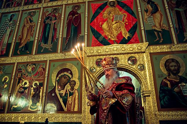 В день памяти священномученика Иоасафа Чистопольского митрополит Феофан возглавил Литургию в Благовещенском соборе