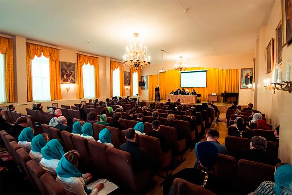 Митрополит Феофан возглавил актовый день Казанской духовной семинарии