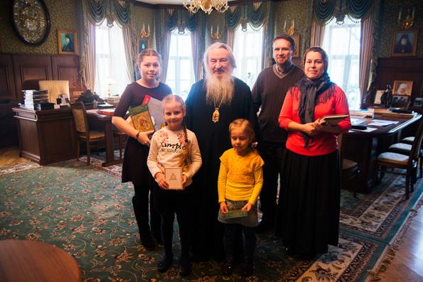 Глава митрополии поздравил с первой в истории Татарстана победой в конкурсе «Красота Божьего мира» школьницу из Казани