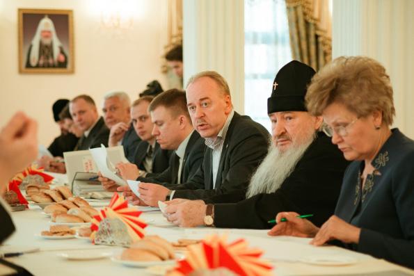 Глава Татарстанской митрополии принял участие в совещании, посвященном воссозданию Казанского собора