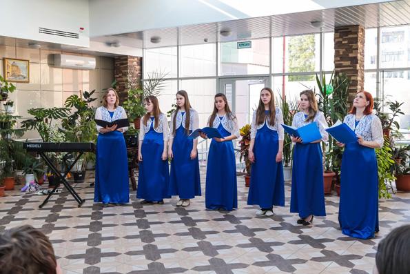 Православный ансамбль «Надежда» выступил в казанском детском хосписе