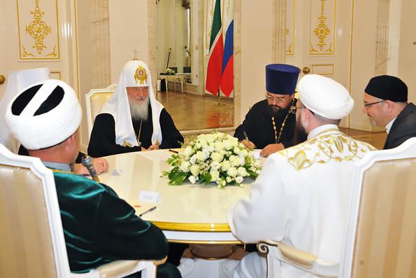Святейший Патриарх Кирилл встретился с муфтием Республики Татарстан Камилем Самигуллиным