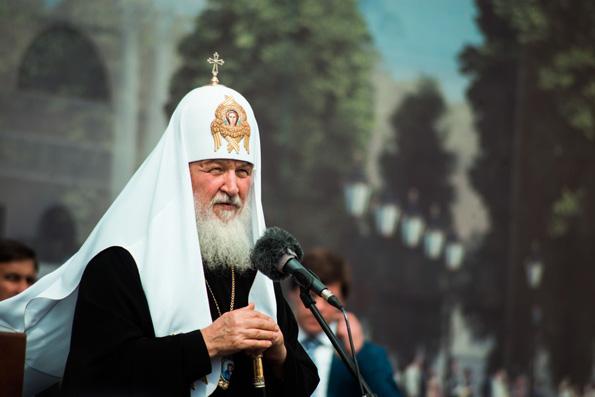 Патриарх Кирилл: воссоздавая святыни прошлого, мы направляем свой взгляд в будущее
