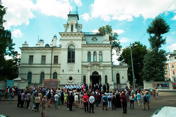 В Казани открылась выставка, посвященная Казанской иконе Божией Матери и Богородицкому монастырю