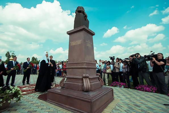 Святейший Патриарх Кирилл принял участие в открытии памятника Гавриилу Державину на малой родине поэта
