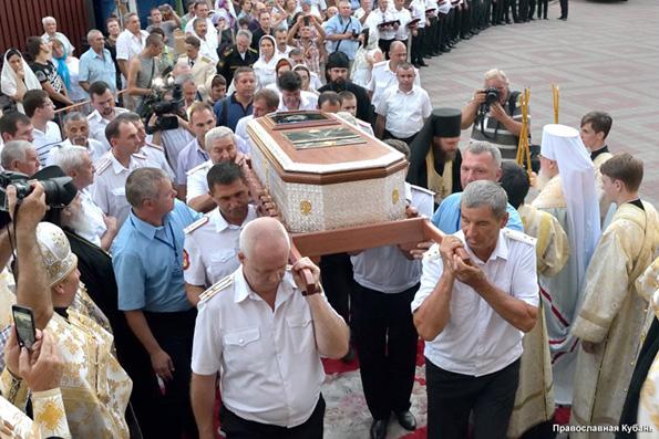 Юг Российской Федерации поклоняется мощам святого воина Федора Ушакова
