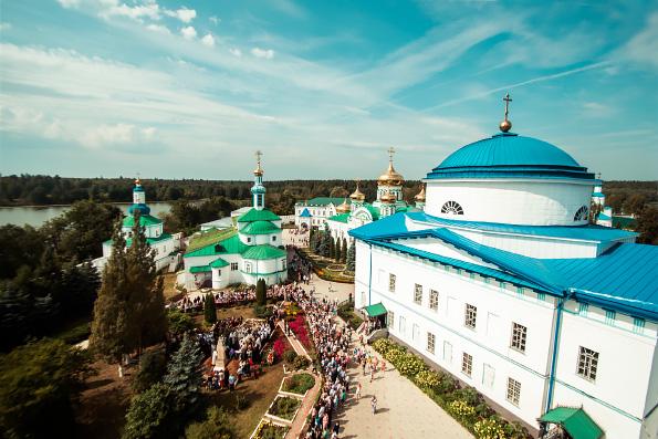 Глава Татарстанской митрополии совершил отпевание наместника Раифского монастыря архимандрита Всеволода (Захарова)