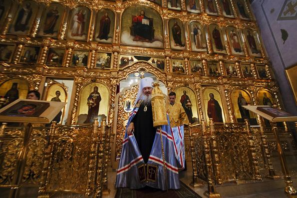 В Неделю 13-ю по Пятидесятнице митрополит Феофан совершил Литургию в храме сщмч. Кирилла Казанского