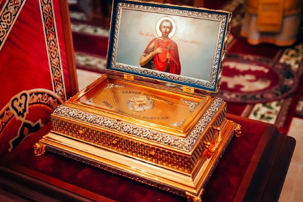 Восстанавливающийся Александро-Невский мужской монастырь села Сосновка отметил престольный праздник