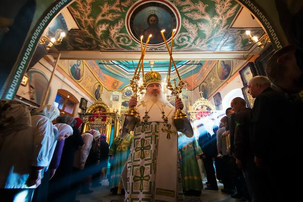 Митрополит Феофан совершил Литургию в престольный праздник столичного храма свв. Ярославских чудотворцев