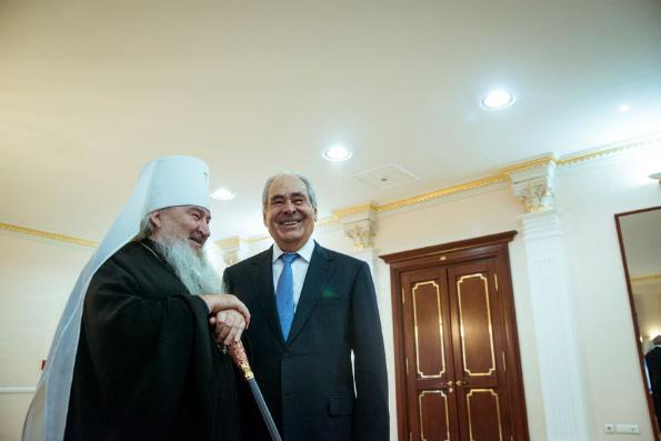 Поздравление главы Татарстанской митрополии Государственному советнику Республики Татарстан М.Ш. Шаймиеву с 80-летием