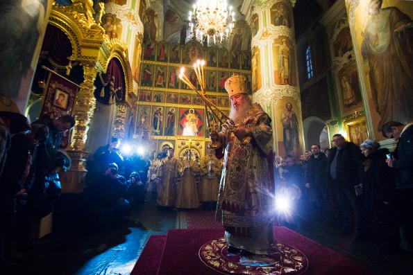 Митрополит Феофан возглавил Рождественское богослужение в главном соборе Казанской епархии