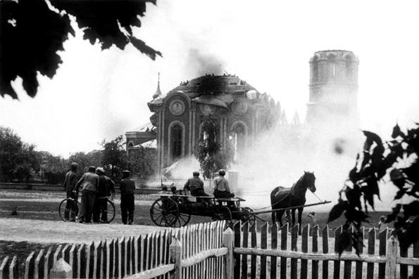 За первые два года после Октябрьской революции расстреляли 20 тыс. священников, а к 1920 году из 60 тыс. храмов сохранилось сто — Степашин
