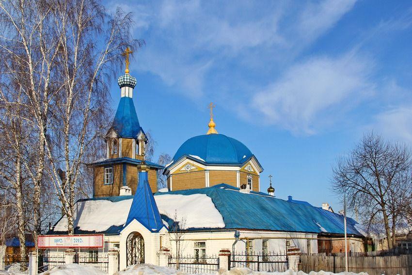 Храм апостолов Петра и Павла в Гарях, город Зеленодольск