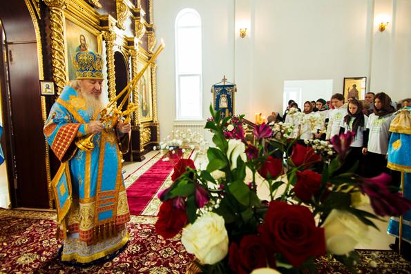 Митрополит Марк возглавил Всенощное бдение накануне праздника Сретение Господне