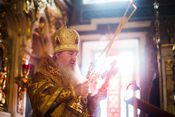 В Прощеное воскресенье митрополит Феофан совершил Литургию в Никольском соборе Казани