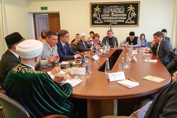 В Казани состоялся круглый стол «Социальные сети: обратная сторона свободы»